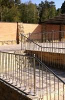 Перила и ограждения в бассейны
